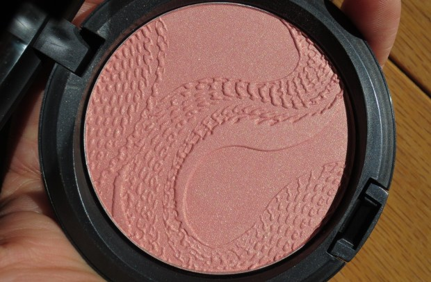 MAC Beauty Powder in Shell Pearl (7)