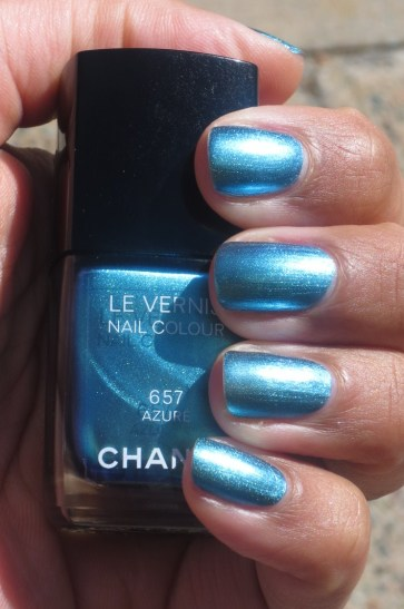 Chanel Azure swatch (5)