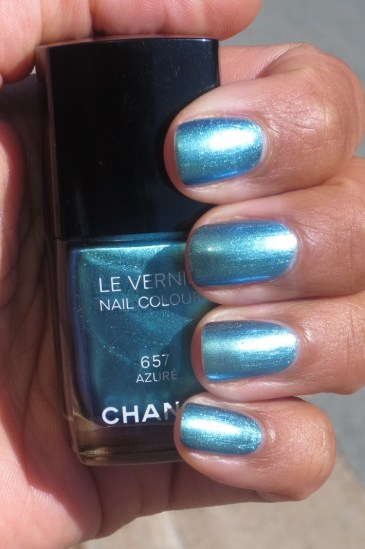 Chanel Azure swatch (6)