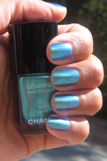 Chanel Azure swatch (7)