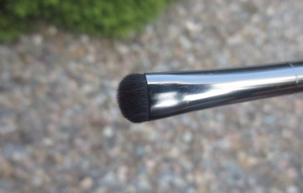 Make Up For Ever Artisan 210 Brush (2)