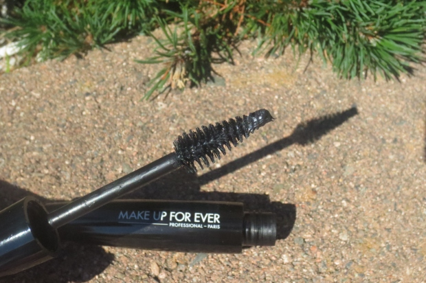 Make Up For Ever Smoky Lash Extravagant (4)