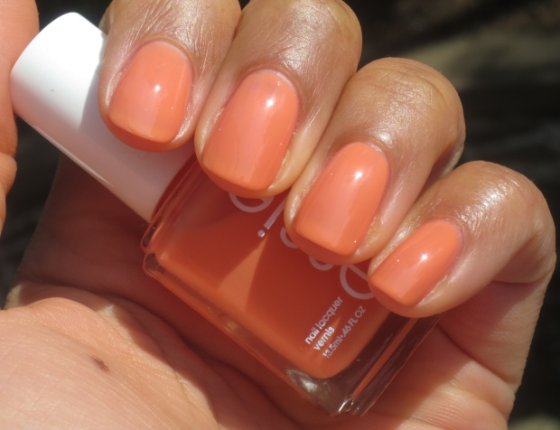 Essie Resort Fling swatch