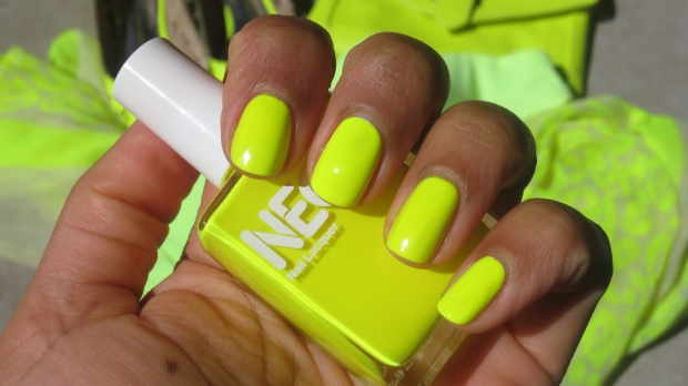 American Apparel Neon Yellow swatch