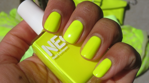 American Apparel Neon Yellow nail polishswatch