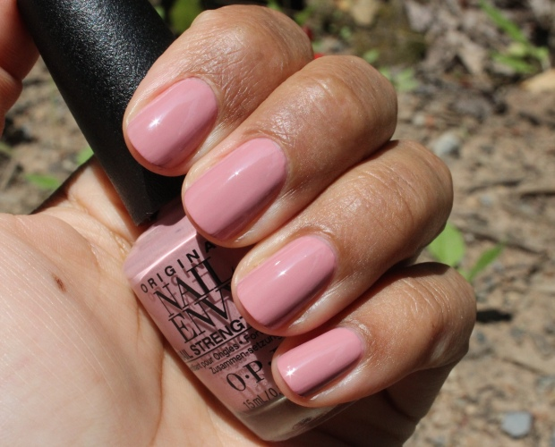 OPI Hawaiian Orchid swatch
